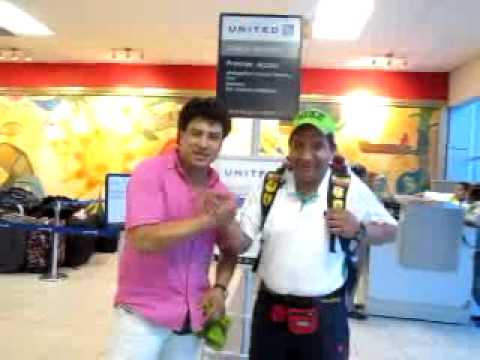Jaime Enrique Aimara saluda a Ani y Nena del Valle desde Panamá.flv