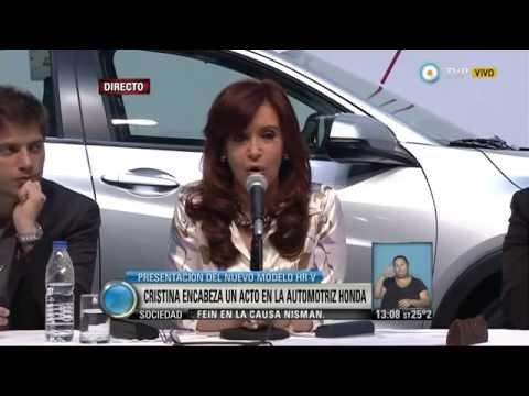 La Presidenta Cristina Kirchner en la planta de Honda en Campana.