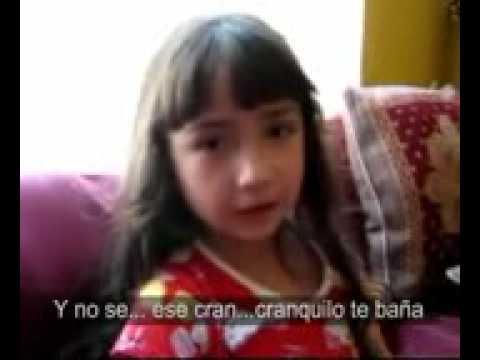 niña canta himno nacional muy original.wmv