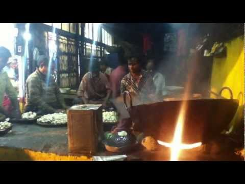 making of special hing kachuri at dakhineshwar temple,kolkata