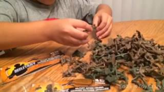 Toy Soldiers Plastic Army Men Unboxing Opening Playing