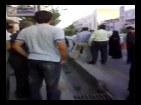 Iranian lioness resist against Orumieh vice police try to drag her away for
