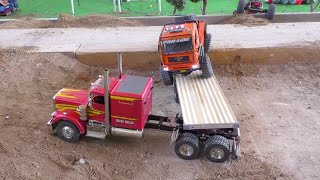TRUCKS AND MACHINES - HEAVY LOAD ON TRAILER -   RC fair !