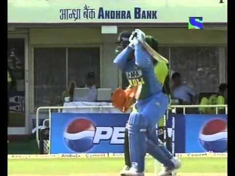 Virender Sehwag 74 (40) India Vs Pakistan 2005 2nd Odi video