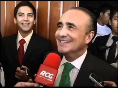Pedro Ferriz de Con se pendejea a reportero puñetas de RCG (Canal 7 Saltillo)