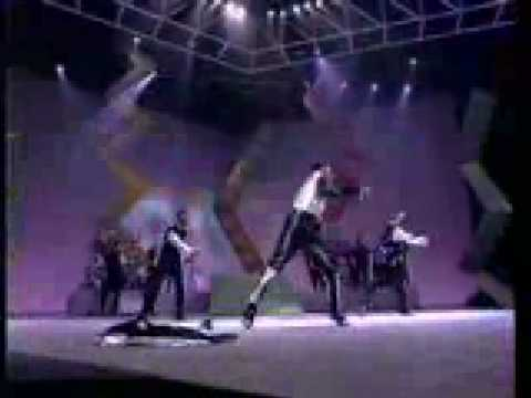 bobby brown medley live 1990