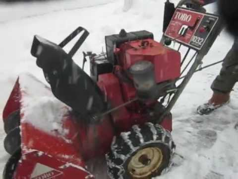 Snow Blower 24 >> Toro 1032 Snow Blower on Active Duty - YouTube
