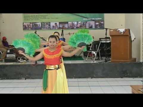 Tari Tradisional tari Kipas   kipas Dance Traditional Dance, Indonesia video