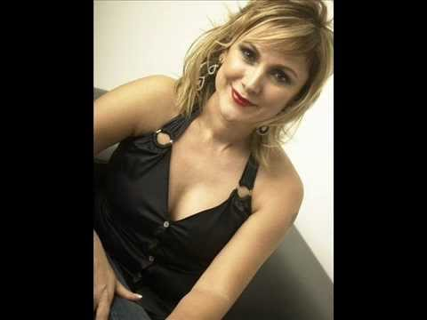 Clip video ZELİHA SUNAL - AH NEREDE VAH NEREDE (Antika) - Musique Gratuite Muzikoo