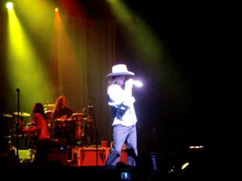 "Kid Rock performs ""Good Ol"