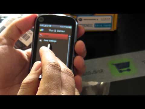 MOTOROLA EX128 Dual Sim review HD ( in romana ) - www.TelefonulTau.eu -
