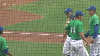Islanders baseball tops Texas Longhorns 8-2 - 3Sports