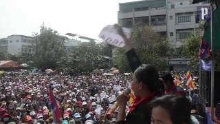 Garment workers join CNRP protest
