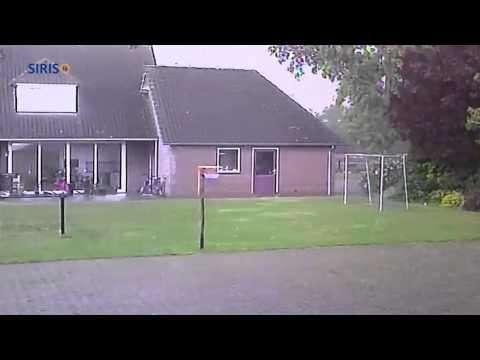 Spectaculaire beelden tornado in Heusden