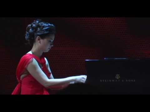 Chau-Giang Thi Nguyen - Waltz in C sharp Minor Video