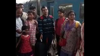 Agitation in Howrah Station of passengers alleging rotten food served in Shatabdi Express