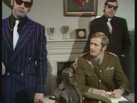 Monty Python -  Mafia