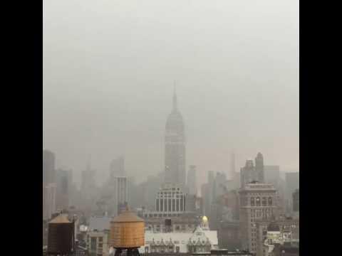 Video: el momento en que el Empire State es alcanzado por un rayo