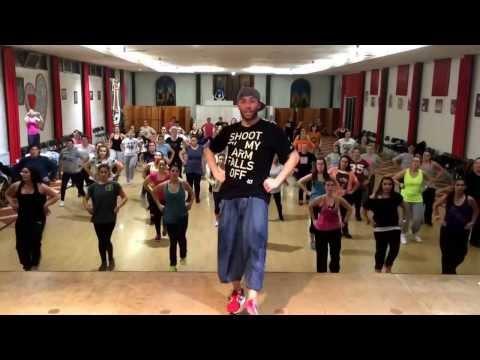Bailando*descemer Bueno & Gente De Zona * Zumba Fitness By Ricardo Rodrigues video
