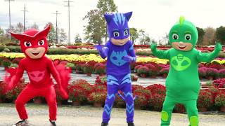 PJ Masks Christmas Heroes In Real Life -  Lemonade Stand with Chase Paw Patrol