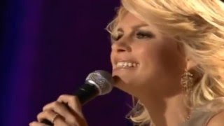 Watch Faith Hill O Holy Night video