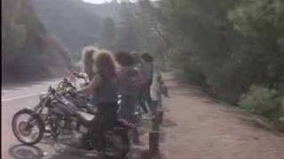 Watch Twisted Sister Leader Of The Pack video