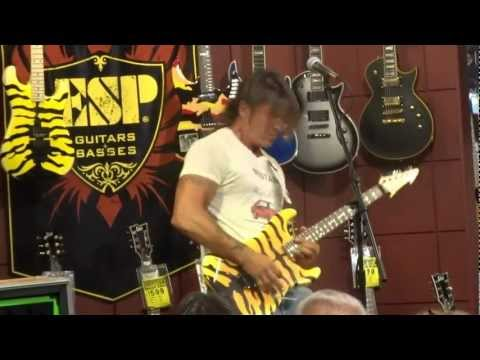 GEORGE LYNCH GUITAR PLAYING CLINIC INSTRUMENTAL MUSIC THOUSAND OAKS, CA 10/3/2012