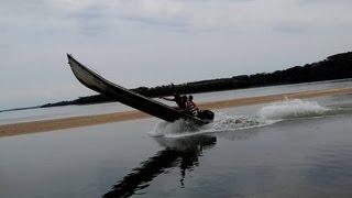 Manobras - Barco de Alumínio / 40 hp - Dando grau no barco!