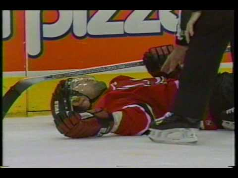Tie Domi/Scott Niedermayer incident - 2001 playoffs Video