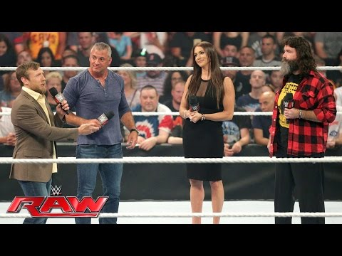 The Raw and SmackDown Live General Managers are revealed: Raw, July 18, 2016 thumbnail