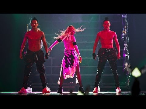 2ne1 - 멘붕(mtbd) Live Performance video