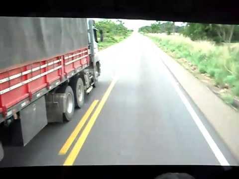 Pega de caminhoes na br-364