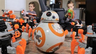 Nerf War :  BB8 Saves the Day (Twin Toys)