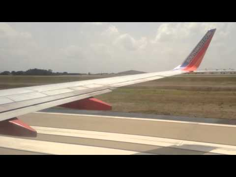 Southwest Airlines 737-700 taking off from Nashville International airport