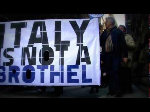 SCANDAL EXCLUSIVE Silvio Berlusconi Bunga Bunga L'Italia non è un BORDELLO Firenze