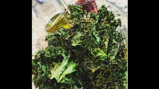 LOW CARB Salt n Vinegar Kale Chips