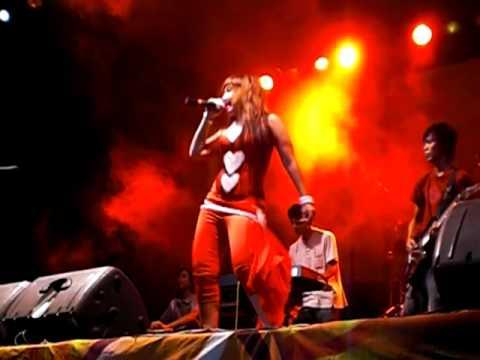 Konser Hotss Glory Ambulu, Jember ( Dian Ratih~~~Cari Jodoh )