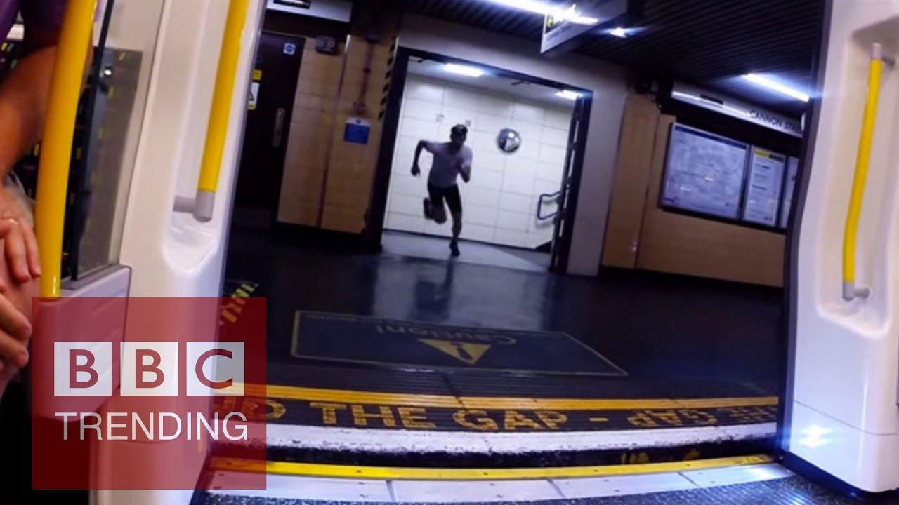 У парня встал в метро 25 фотография