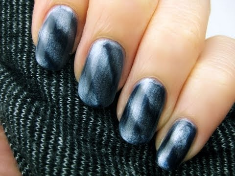 Magnetic Nail Polish!