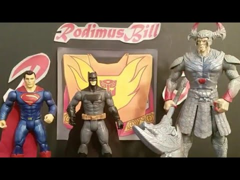 Justice League Movie Superman-Batman-Steppenwolf w/Electro-Axe (Light-up) 3 Pack DC Figure Review
