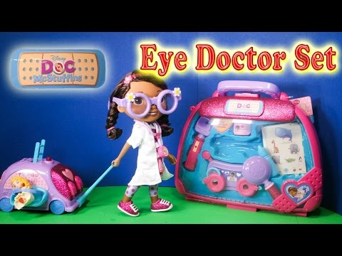 DOC MCSTUFFINS Disney Junior Doc McStuffins  Eye Doctor Toy Set Video