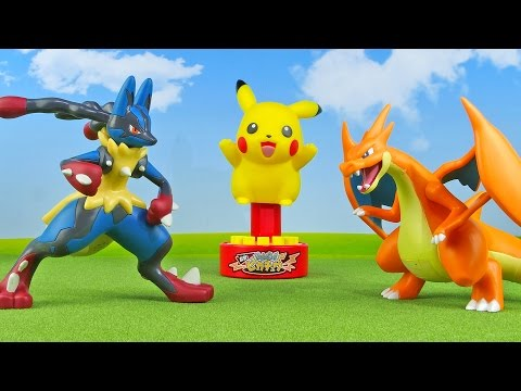 Pokemon Lucario vs Charizard - Jumping Pikachu Battle - Pokémon Toys for Kids