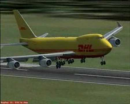 DHL 747-400F in crosswind landing