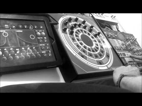 Acid on the IPad - MIDI Clock Sync to Korg EMX and FutureRetro