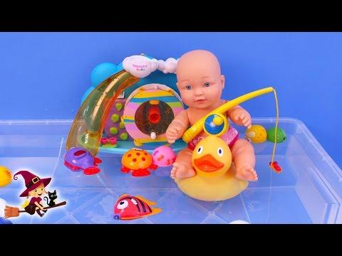 El Bebe en la Piscina Las Aventuras del Bebe