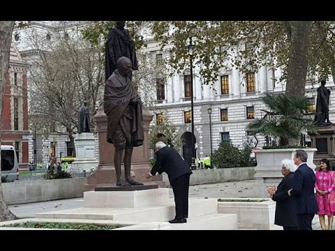 LIVE: Narendra Modi pays homage at Gandhi Statue in London