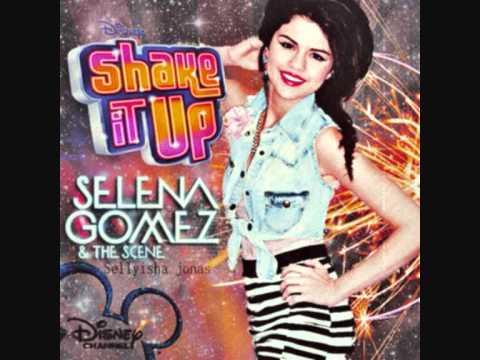 Selena gomez shaking that sexy ass 3