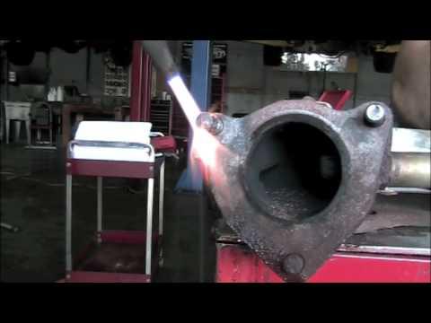Removing Broken Exhaust Studs Youtube