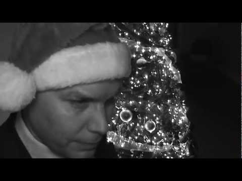 Garth Brooks - The Christmas Song (Chestnuts Roasting on an Open Fire)