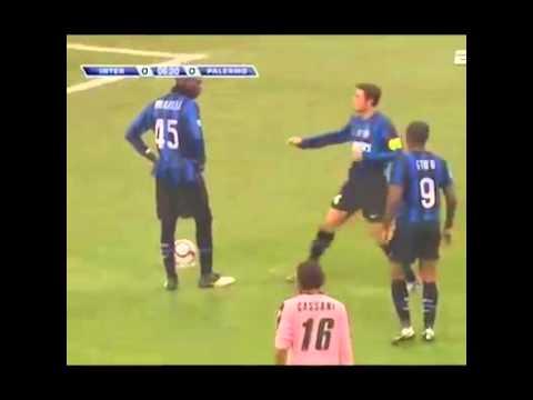 How Javier Zanetti dealt with Mario Balotelli